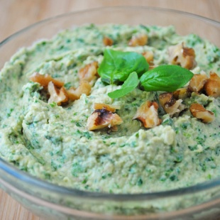 A combination of two delicious dips, this Kale Pesto Hummus is full of fresh basil flavor, plant-based protein from chickpeas, and your daily greens!