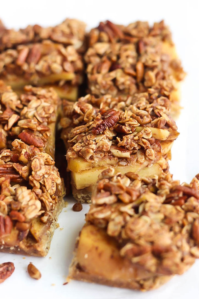 The classic apple pie gets a delicious, vegan makeover in these Apple Pie Bars! A soft crust, fresh apples & crisp topping make these perfect for any time.