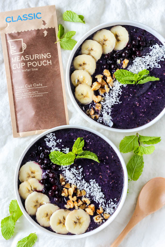 The fresh, fruity flavors in this Blueberry Mint Smoothie Bowl are irresistible! This smoothie makes a refreshing breakfast that's creamy and satisfying.