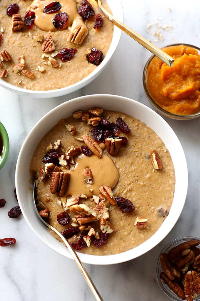 Start cold mornings off right with a warm bowl of nourishing oatmeal! From chocolate to pumpkin, you'll never get bored with these 10 vegan oatmeal recipes.