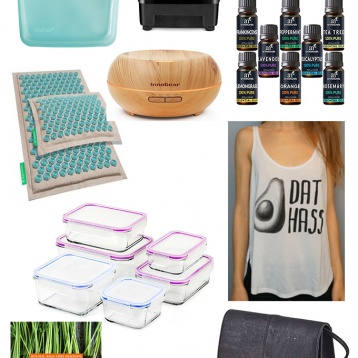 If there are loved ones in your life who are health and wellness enthusiasts, check out this holiday gift guide to get them a meaningful gift they'll love!