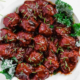 a bowl of barbecue meatballs