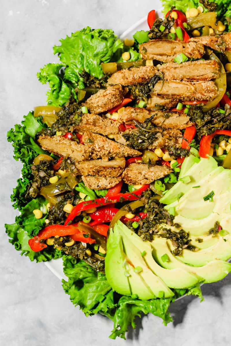 green seitan salad with red peppers