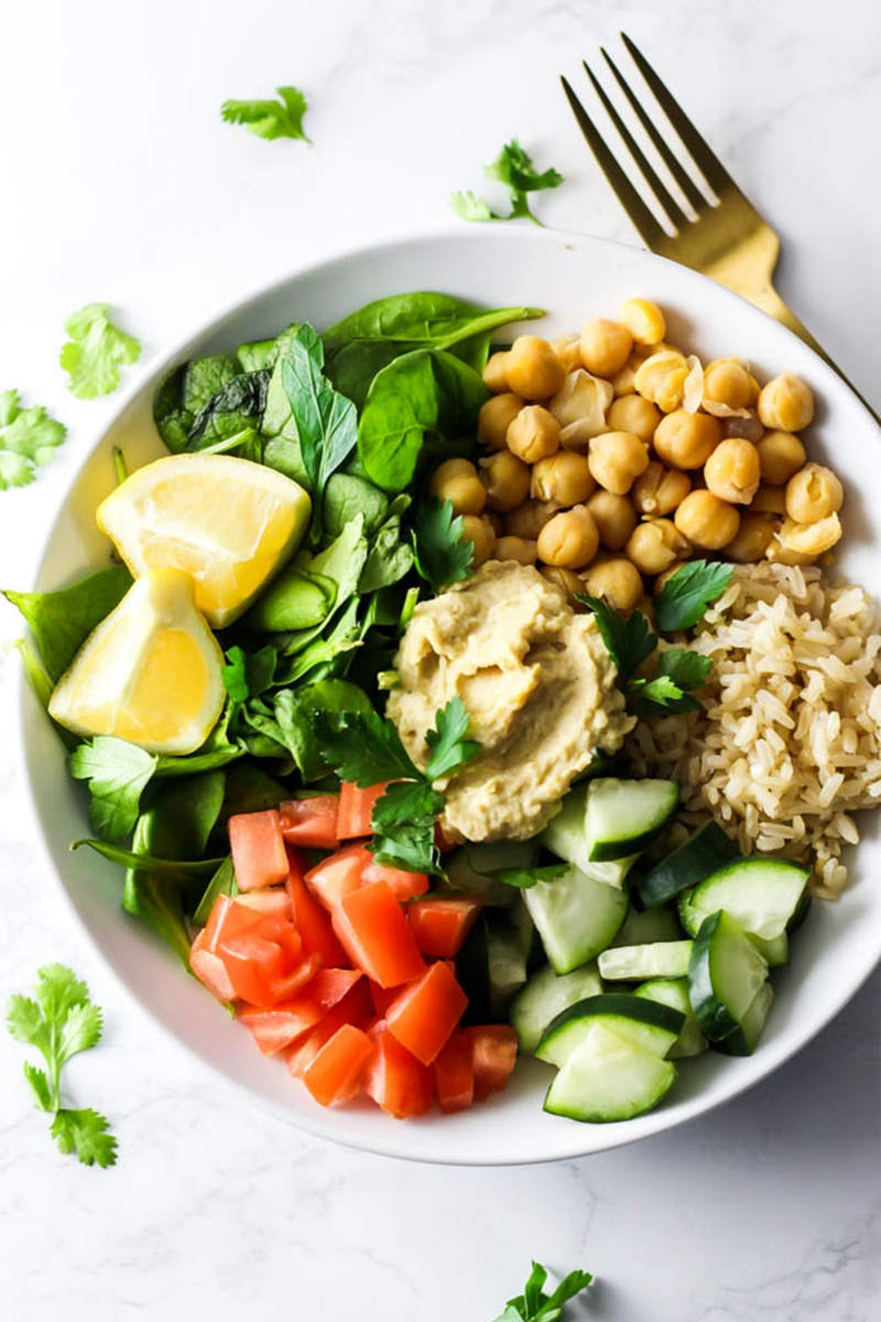 mediterranean salad with veggie and hummus
