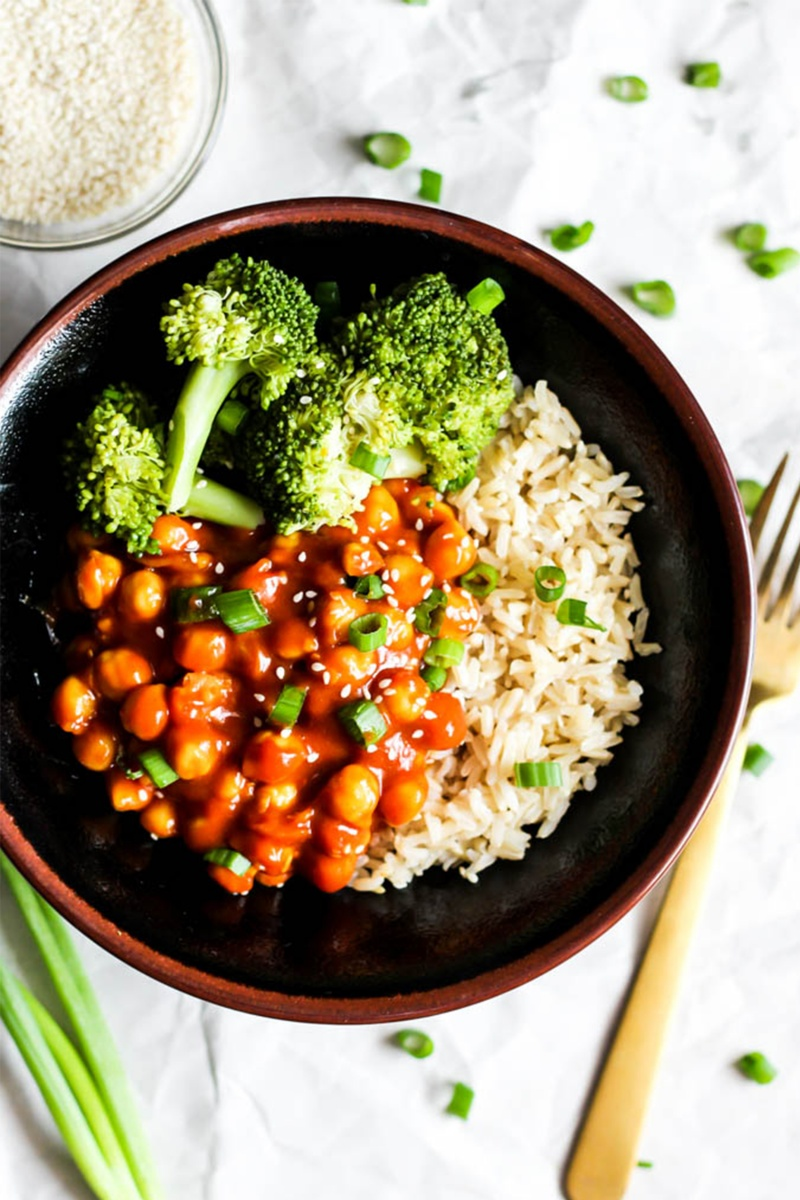 vegan meal prep sweet and sour chickpeas